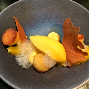 Segments d'orange, sorbet et crémeux mandarine © Greta Garbure