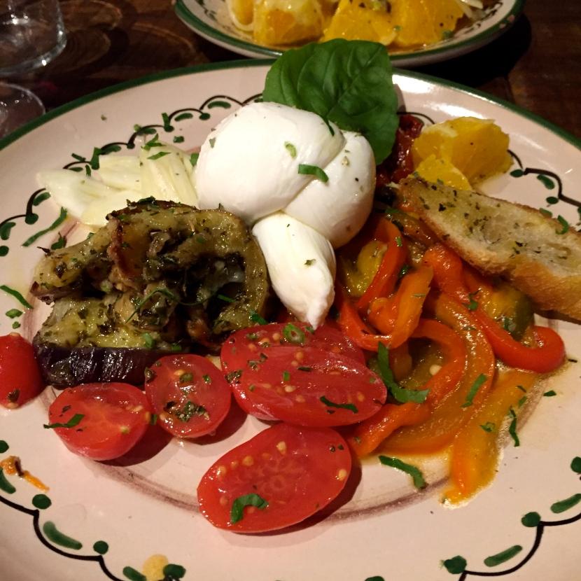 Burrata et légumes à l'italienne © Greta Garbure