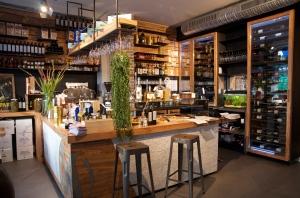 Le bar et son comptoir