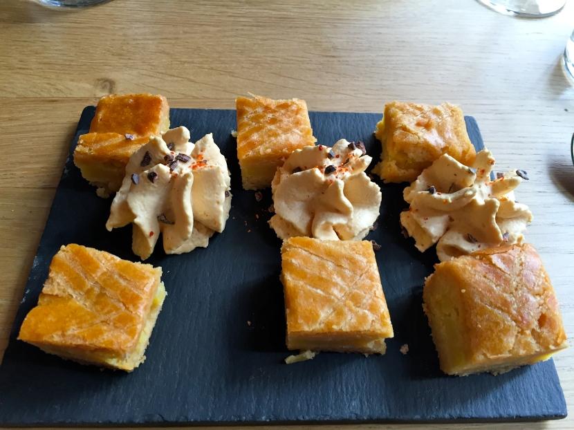 Gâteau basque crème caramel beurre salé © Greta Garbure