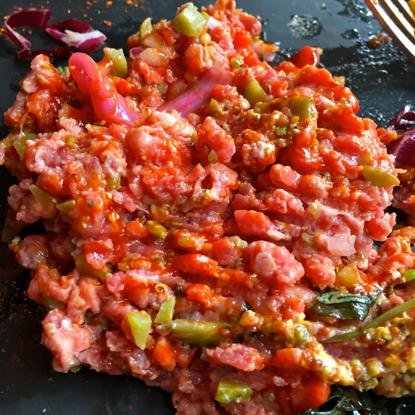 Steak tartare malaxé © Greta Garbure