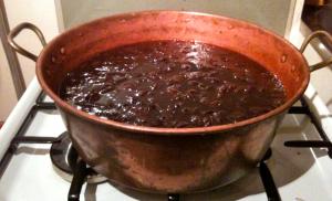 La confiture (prunes) cuite © Greta Garbure