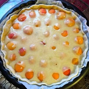 La crème d'amande sur les abricots © Greta Garbure