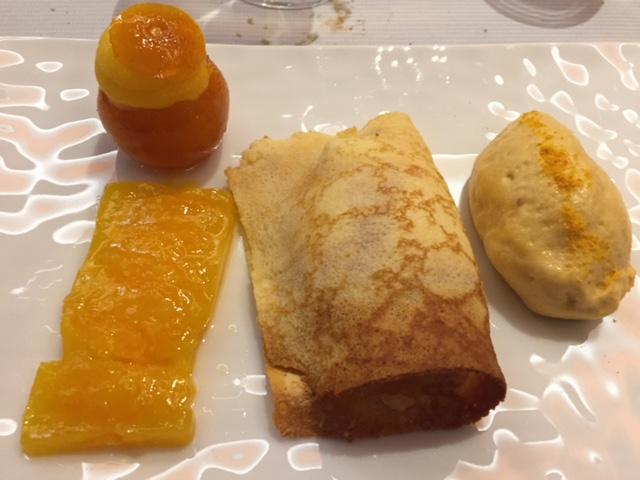 Crêpe Suzette soufflée, mandarine confite © Greta Garbure