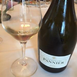 Champagne Pannier velours blanc © Greta Garbure