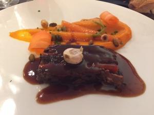Paleron de bœuf braisé aux carottes © Greta Garbure
