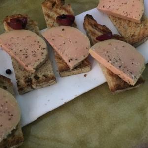 Toasts de foie gras © Greta Garbure